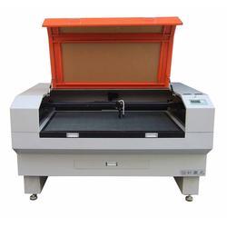 恒好激光专业供应,自动送料无纺布激光切割机,激光切割机图片