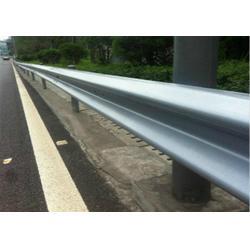 护栏_公路波形护栏板_那里生产波形护栏图片
