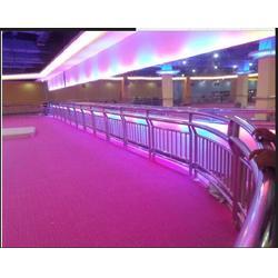 超高分子量溜冰场地板安装厂家超高分子溜冰场地板,盛通橡塑总部图片