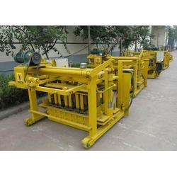 武穴挤砖机|郑州双盛公司|新型挤砖机图片