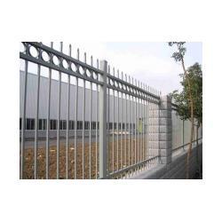 泰安锌钢护栏 报价|世通铁艺(在线咨询)|锌钢护栏图片
