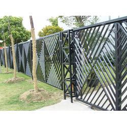 锌钢护栏多少-世通铁艺(在线咨询)德州锌钢护栏图片