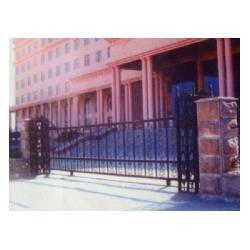 肥城别墅大门-泰安世通铁艺生产公司-美式别墅大门图片