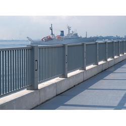 不锈钢护栏哪里有做-新泰不锈钢护栏-世通铁艺(查看)
