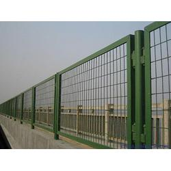 护栏网 耀科丝网(图) 高速公路护栏网图片