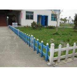 山西塑钢护栏、鼎鑫营顺(在线咨询)、绿化塑钢护栏图片