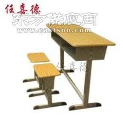 学生课桌椅款式多样图片