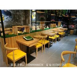 钢木餐桌和牛角椅子组合,石龙镇连锁快餐厅桌椅定制图片