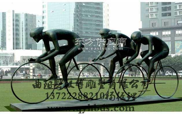 骑自行车雕塑,玻璃钢树脂雕塑制作厂家,运动主题雕塑
