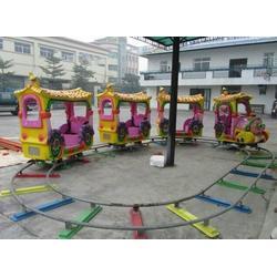 轨道小火车_金山游乐机械(在线咨询)_郑州轨道小火车图片