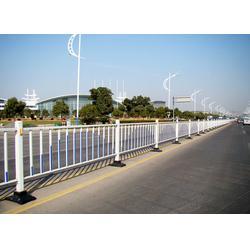 乌鲁木齐道路护栏、山东临朐富华铸造总厂、道路护栏公司图片
