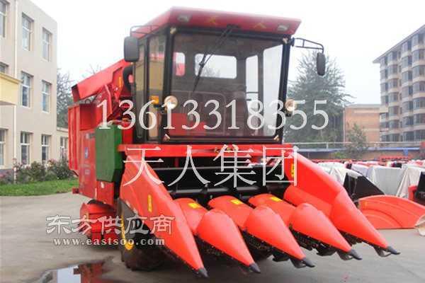 大型玉米收割机