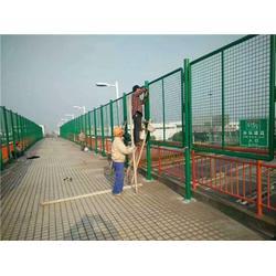 天津铁丝网A绿色钢丝网A铁丝网规格图片