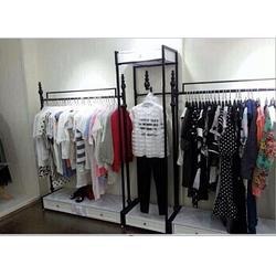 爱丽尚服装展具有限公司、童装服装展架、大兴区服装展架图片