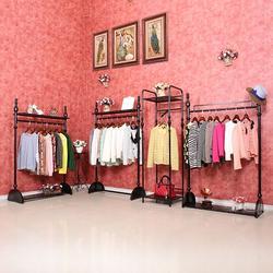 服装展架,爱丽尚服装展具有限公司(在线咨询),服装展架图片