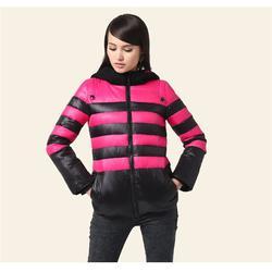 新款羽绒服市场,王佐镇羽绒服,锦衣服装生产厂图片