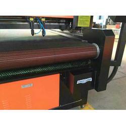 服装用激光切割机_激光切割机_自动送料激光切割机图片