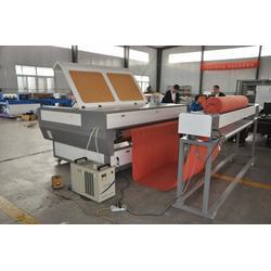 德诚激光切割机(在线咨询)布料自动送料激光切割机图片