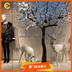 供应秋冬橱窗树木展示道具定制橱窗仿真树老树树桩道具定制图片