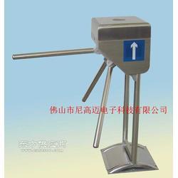 NGM双立柱电动三辊闸,工地单通道双向三滚闸机,IC卡读写控制系统图片