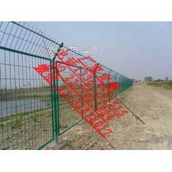 绿色护栏网 浸塑钢丝围栏网 框架护栏网图片