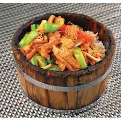 木桶饭那个菜好吃_郑州健民餐饮(在线咨询)_木桶饭图片