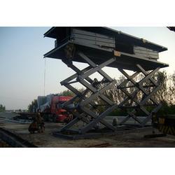 剪叉式升降机 北京、霸力机械(在线咨询)、剪叉式升降机图片
