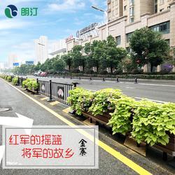 城市道路中央隔离带景观提升 朗汀花箱为中央隔离带装饰空间生态图片