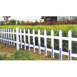 草坪围栏(图)|PVC草坪护栏|草坪护栏图片