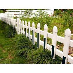 pvc草坪护栏谁家好,新余pvc草坪护栏,君瑞护栏图片