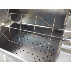 不锈钢烤全羊炉厂家、哈尔滨烤全羊炉、小六炉具(在线咨询)图片