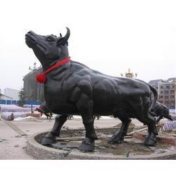 铸铜牛厂-恒保发铜雕厂、铜牛摆件、铜牛摆件小号现货图片