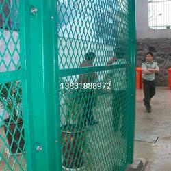 监狱刀刺钢网墙 监狱围墙加高刀刺钢网墙多钱一米 预算图纸技术要求图片