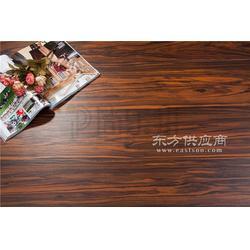 环保免胶地板供应商图片