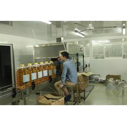 青州鲁泰机械(在线咨询),黄山油灌装机,花生油灌装机图片