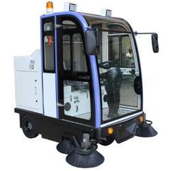 电动扫地车-SD2000学校全封闭驾驶式扫地车厂家优惠图片