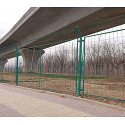公路围栏网,企拓丝网,公路围栏网多少钱一米图片