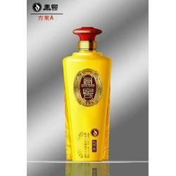 栖霞市玻璃酒瓶 菏泽瑞升玻璃 工艺玻璃酒瓶图片