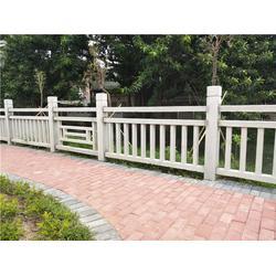 池塘仿木栏杆哪家好-池塘仿木栏杆-辉也纳建材专业订制图片