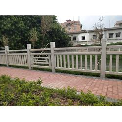 景区仿木栏杆厂家-新塘景区仿木栏杆-辉也纳建材优质商家图片