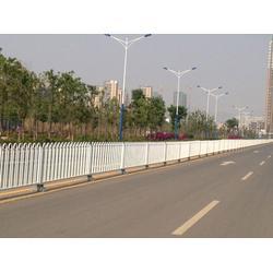 大量京式道路护栏-中泽丝网-美溪区京式道路护栏图片
