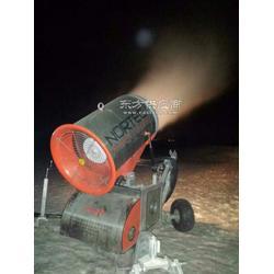 雪道上稳定移动的造雪机/全自动造雪机图片
