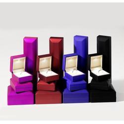 上海珠宝首饰盒订做找哪家,上海珠宝首饰盒,冠钛珠宝盒图片