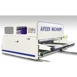 纸箱堆码机出售,山东埃菲尔机械(在线咨询),北京纸箱堆码机图片