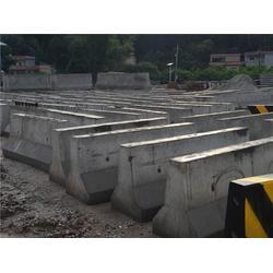 交通水泥防撞墩、浩盛水泥制品、广州水泥墩图片