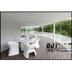 增强塑料不饱和树脂玻璃钢户外桌椅 酒店地产新款户外家具质保十年玻璃钢坐凳一桌四椅组合图片