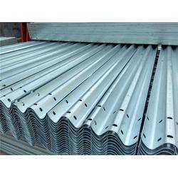 护栏板厂家、山东君安厂家、高速镀锌护栏板厂家价格
