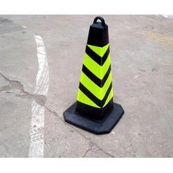 昆明橡胶路锥-渝西劳保(在线咨询)昆明橡胶路锥图片