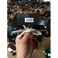 太阳镜 太阳镜的好处 盛开太阳镜款式新颖图片