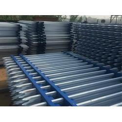 潍坊工厂围墙防护栅栏规格型号,英环丝网(在线咨询)图片